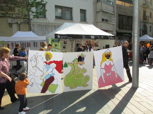 Sant Jordi13 activitat infantil amb el drac